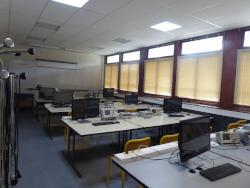 "salle ""Projets Electronique"""